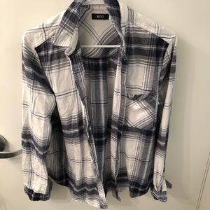 BLUE & WHITE URBAN OUTFITTERS FLANNEL
